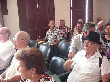 20130621133355-acto-con-cincuentenarios.jpg