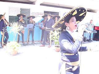 20150718234340-mariachis.jpg